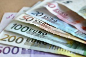 property broker Ireland reduces risk of overpaying